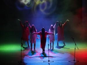 красивые, сексуальные девушки поют и танцуют