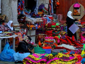 восточный базар с коврами